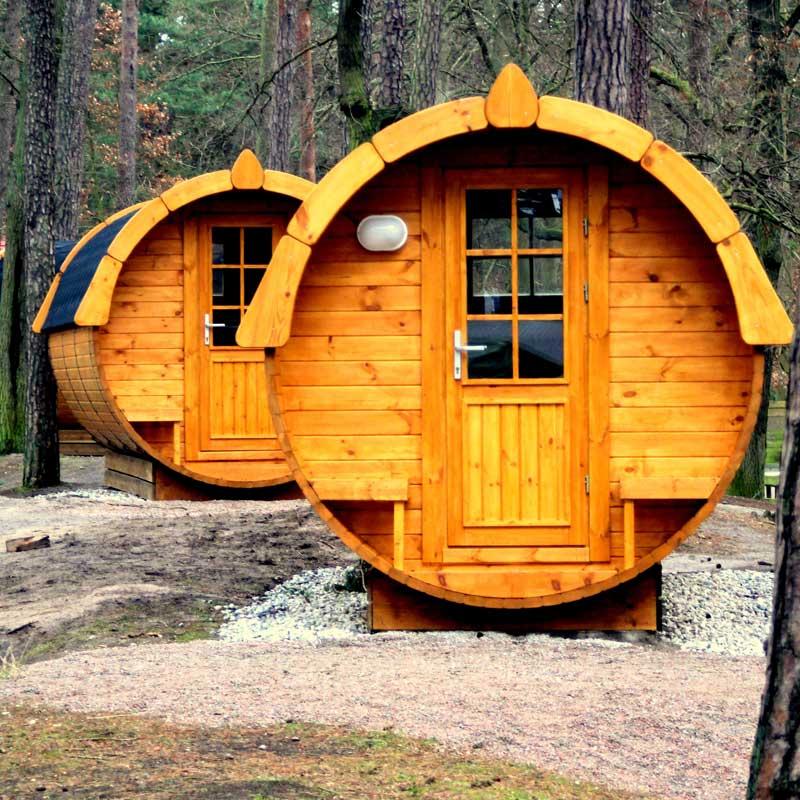 Die Schlaffässer auf dem Campingplatz Pommernland sind beliebte Unterkünfte.