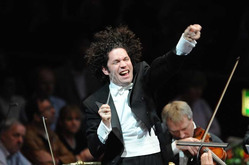 Stardirigent Gustavo Dudamel aus Venezuela tritt bei den Festspielen Mecklenburg-Vorpommern in Redfin auf.