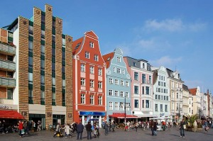 Auch die Kröpeliner Straße sollten Sie während Ihres Urlaubs in Rostock besucht haben.