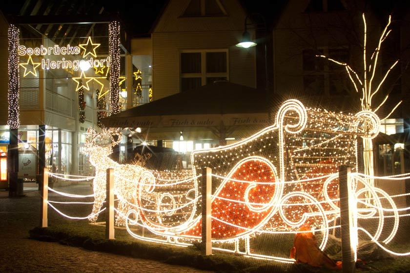 Der Wintermarkt im Seebad Heringsdorf auf der Insel Usedom lädt ein.